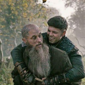Ivarr trasportato dal padre.