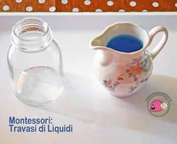 montessori-attivita-vita-pratica-motricita-fine-travasi-di-liquidi-01